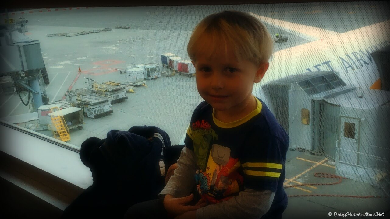 Preparing Children for Flying | Family Travel Advice | OurGlobetrotters.Com