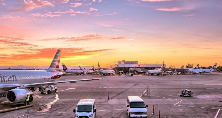 Flying with kids- Airport transfers with kids