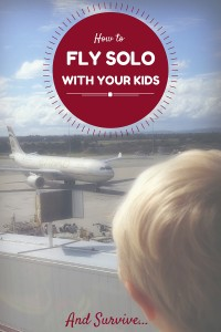 5 tips for Flying Solo with Kids | Travel Advice | OurGlobetrotters.Net