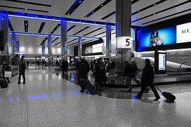 10 People you meet at the baggage claim | OurGlobetrotters.Net