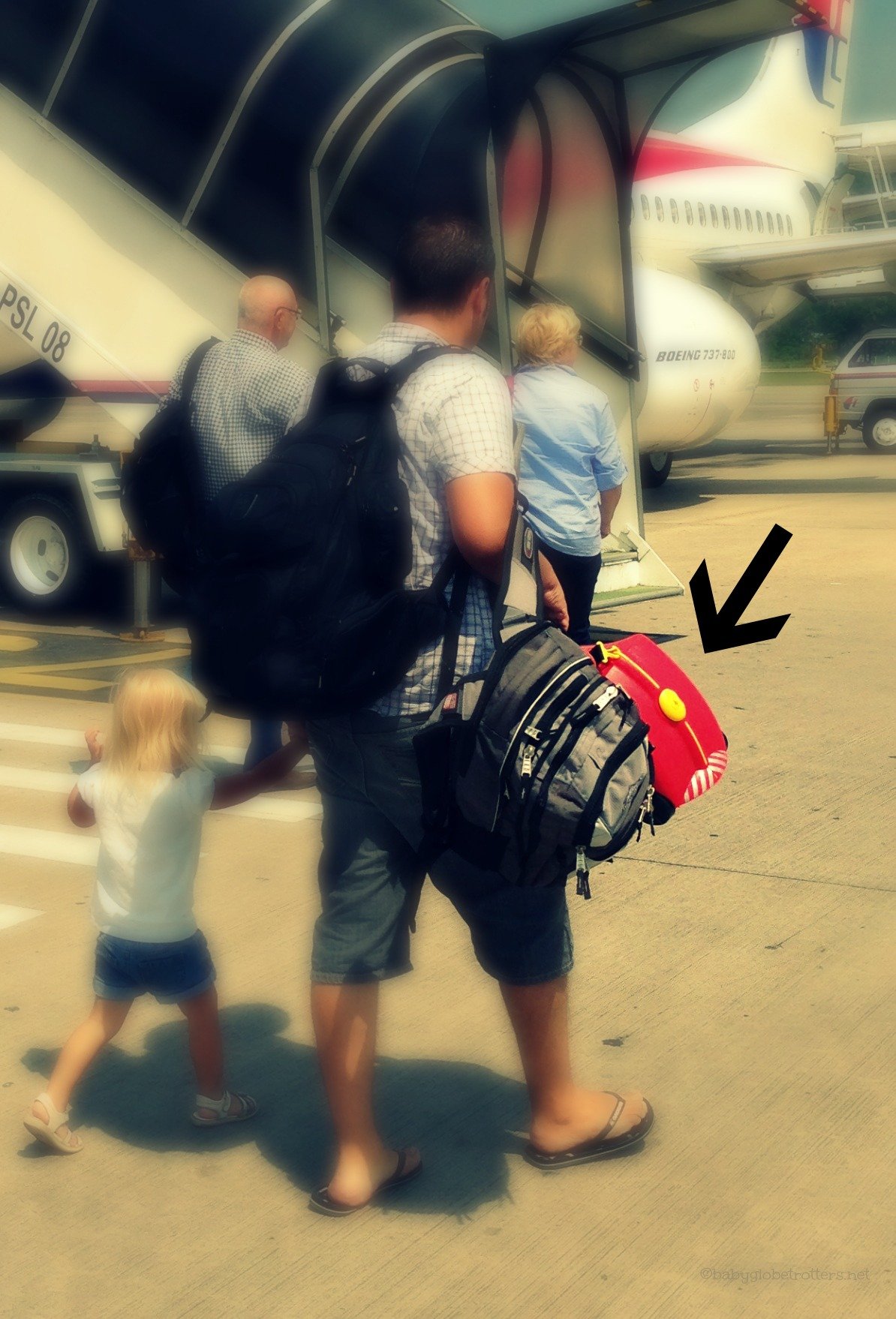 Things that will NOT be in my kids plane bag | Travel Advice | OurGlobetrotters.Net