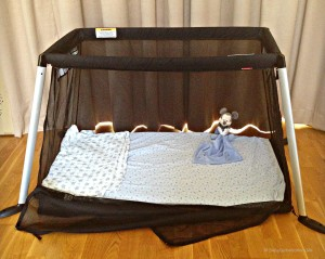 Phil & Teds Traveller - light weight travel cot | Product Review | OurGlobetrotters.Net