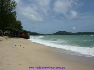 Phuket - Bang Tao Bay, Thailand | 8 Best Beaches for Family Travel | OurGlobetrotters.Net