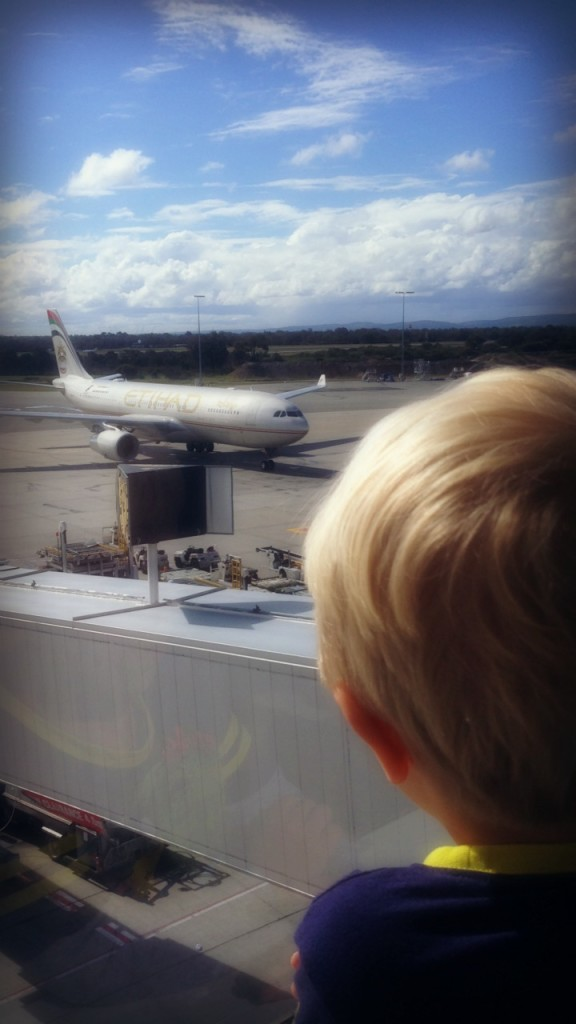Everything you need to know before flying with kids | OurGlobetrotters.Net