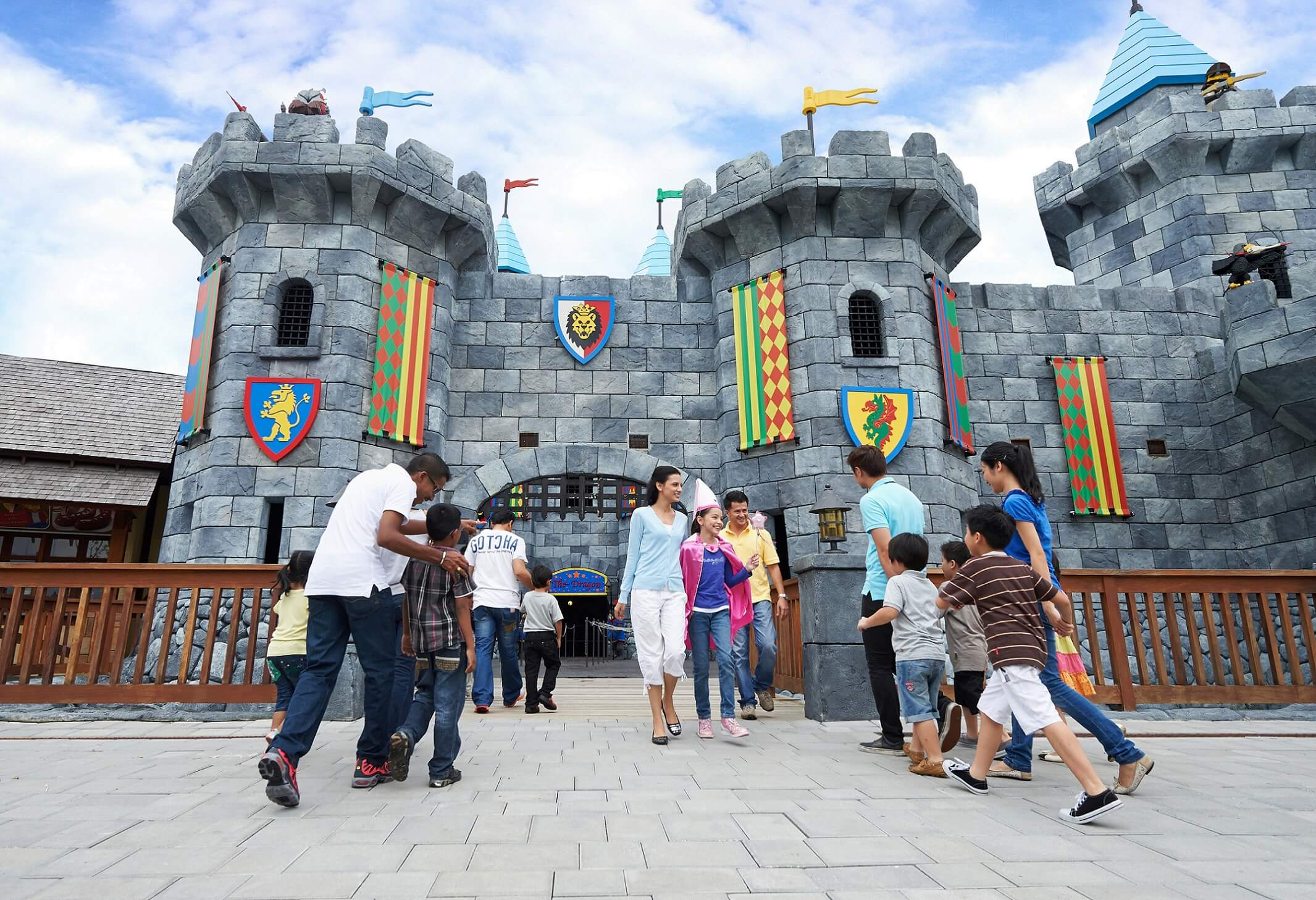 LEGO Kingdom calls all knights and princesses to explore the Knights Kingdom and soar though the castle and over the moat