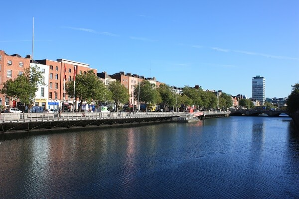 Dublin and the river liffey | Expat Parenting in Dublin | OurGlobetrotters.Net