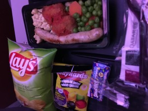 The kiddy meal on board Qatar | Mistakes to avoid flying with toddlers | OurGlobetrotters.Net