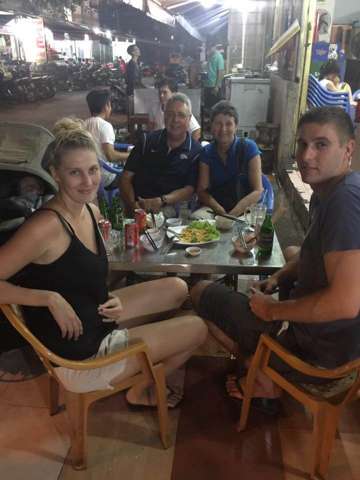 Street food scene in Ho Chi Minh City | Expat Parenting in Vietnam | OurGlobetrotters.Net