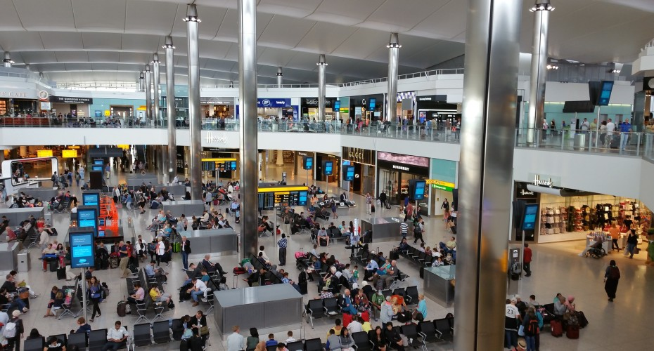 Travelling through London Heathrow | Flying with Kids | BabyGlobetrotters.Net