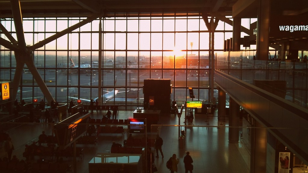 Leaving London Heathrow Airport with Kids | Flying with Kids | OurGlobetrotters.Net