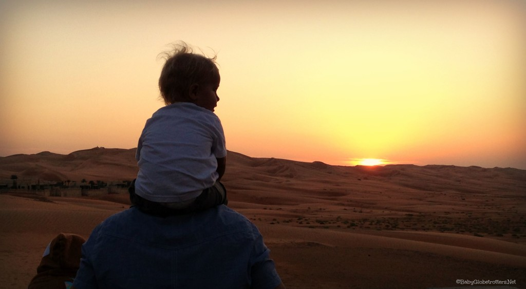 Desert sunset at Qasr Al Sarab | Guide to Family Life in Abu Dhabi | OurGlobetrotters.Net