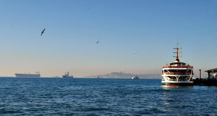 The busy Bosphorus Istanbul | Our Globetrotters