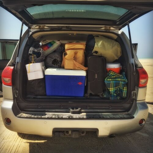 What to pack for beach or desert camping in the UAE