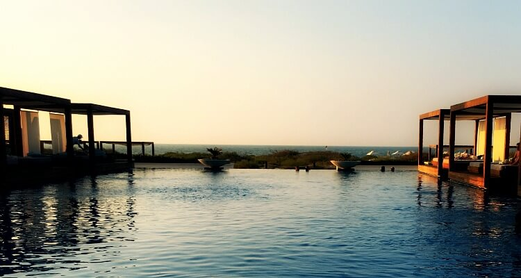 Best Beach Resorts in the UAE | Saadiyat Island sunset over infinity pool