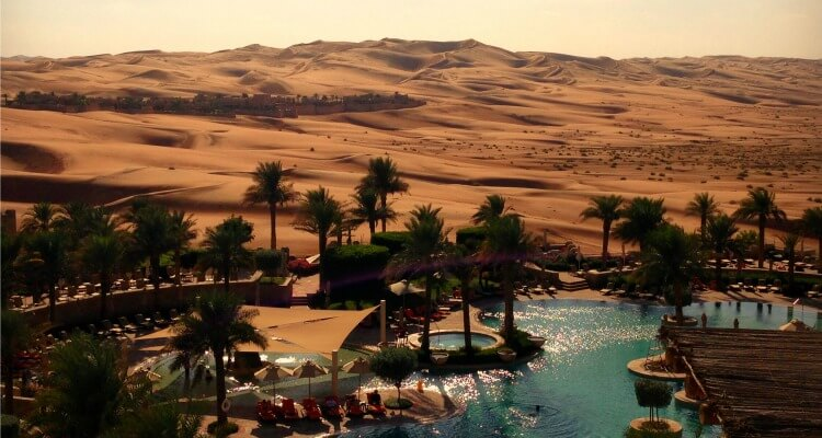 Best luxury desert resorts in the uae with and without for Best luxury family hotel dubai
